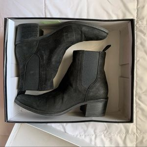 Dolce Vita Colbey Boots in Black